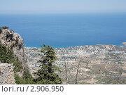 Вид с высоты птичьего полета на город Кирения. Северный Кипр. Стоковое фото, фотограф Анатолий Баранов / Фотобанк Лори