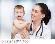 Купить «Малыш на приеме у педиатра», фото № 2911166, снято 17 октября 2011 г. (c) Константин Юганов / Фотобанк Лори
