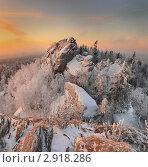 Купить «Зимний рассвет в Уральских горах», фото № 2918286, снято 22 января 2011 г. (c) Миронов Константин / Фотобанк Лори