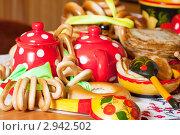Купить «Русские блины с чаем», фото № 2942502, снято 6 марта 2011 г. (c) Яков Филимонов / Фотобанк Лори