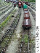Купить «Уходящие в даль железнодорожные рельсы», фото № 2946086, снято 23 мая 2011 г. (c) Игорь Соколов / Фотобанк Лори