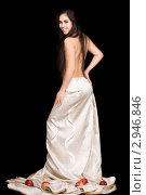 Купить «Девушка в юбке с яблоками на подоле», фото № 2946846, снято 22 ноября 2009 г. (c) Сергей Сухоруков / Фотобанк Лори