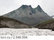 Камчатка. Гора Верблюд, или скала Верблюд, или экструзия Верблюд на Авачинском перевале (2011 год). Стоковое фото, фотограф А. А. Пирагис / Фотобанк Лори