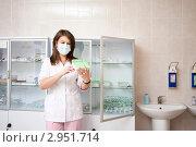 Купить «Медсестра в процедурной», фото № 2951714, снято 23 октября 2011 г. (c) Майя Крученкова / Фотобанк Лори