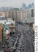 Купить «Москва. Улица Охотный ряд», эксклюзивное фото № 2959178, снято 31 октября 2011 г. (c) Зобков Георгий / Фотобанк Лори