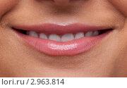 Женские губы в улыбке. Крупный план. Стоковое фото, фотограф Гурьянов Андрей / Фотобанк Лори