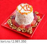 Купить «Творожная паска на красном фоне», фото № 2981350, снято 25 ноября 2011 г. (c) Олеся Сарычева / Фотобанк Лори