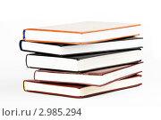 Стопка из пяти книг. Стоковое фото, фотограф Александр Харченко / Фотобанк Лори