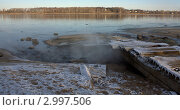 Сброс сточной воды в реку Волга. Стоковое фото, фотограф Александр Чугунов / Фотобанк Лори