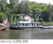 """Буксир """"Речной-76"""" на канале им. Москвы (2007 год). Редакционное фото, фотограф Дмитрий Ершов / Фотобанк Лори"""