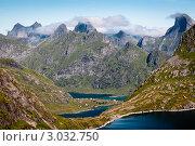 Купить «Горные вершины», фото № 3032750, снято 28 июля 2011 г. (c) Роман Мухин / Фотобанк Лори