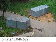 Купить «Металлические гаражи. Москва. Район Гольяново», эксклюзивное фото № 3046682, снято 22 сентября 2011 г. (c) lana1501 / Фотобанк Лори