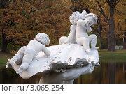 Купить «Ораниенбаум. Скульптура в парке», эксклюзивное фото № 3065254, снято 9 октября 2011 г. (c) Литвяк Игорь / Фотобанк Лори