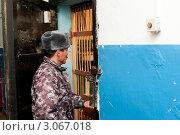 Купить «Арестантские будни. Поверка заключенных в штрафном изоляторе», фото № 3067018, снято 18 ноября 2011 г. (c) Александр Подшивалов / Фотобанк Лори