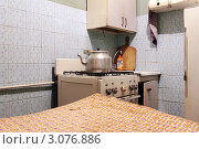 Купить «Интерьер квартиры перед ремонтом. Кухня», фото № 3076886, снято 21 декабря 2011 г. (c) Ярослав Каминский / Фотобанк Лори
