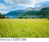 Купить «Альпийское озеро летом», фото № 3097006, снято 4 июня 2011 г. (c) Юрий Брыкайло / Фотобанк Лори