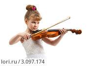 Купить «Симпатичная юная исполнительница классической музыки», фото № 3097174, снято 11 мая 2009 г. (c) Владимир Мельников / Фотобанк Лори
