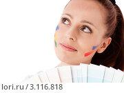 Купить «Молодая женщина с палитрой на белом фоне. Дизайнер интерьера.», фото № 3116818, снято 17 мая 2011 г. (c) Мельников Дмитрий / Фотобанк Лори