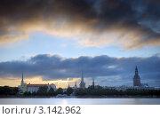 Панорама Старой Риги на берегу Даугавы. Рига, Латвия (2008 год). Стоковое фото, фотограф Jelena Dautova / Фотобанк Лори