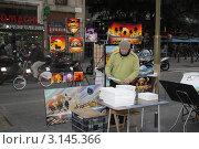 Уличный художник. Испания. Барселона. Редакционное фото, фотограф Ирина Батюта / Фотобанк Лори