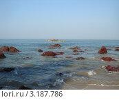 Розовые камни в море. Стоковое фото, фотограф Валерий Ковальчук / Фотобанк Лори