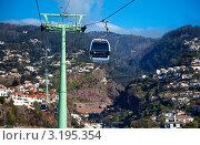 Купить «Остров Мадейра. Подъем на канатной дороге от Фуншала (Funchal) на вершину горы Монти (Monte)», фото № 3195354, снято 23 декабря 2011 г. (c) Виктория Катьянова / Фотобанк Лори