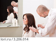 Купить «Девушка со своим парикмахером в салоне», фото № 3206014, снято 30 января 2010 г. (c) CandyBox Images / Фотобанк Лори