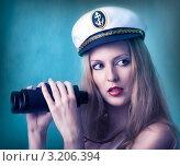 Купить «Портрет сексуальной женщины в фуражке капитана и с биноклем в руках», фото № 3206394, снято 16 ноября 2019 г. (c) katalinks / Фотобанк Лори