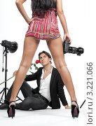 Купить «Фотограф и модель в студии», фото № 3221066, снято 28 января 2012 г. (c) Михаил Иванов / Фотобанк Лори