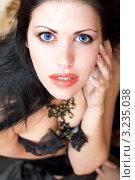 Купить «Молодая девушка с голубыми глазами», фото № 3235038, снято 26 марта 2010 г. (c) Сергей Сухоруков / Фотобанк Лори