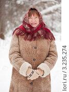 Купить «Портрет пожилой женщины в зимней одежде с платком на голове», фото № 3235274, снято 19 февраля 2011 г. (c) Яков Филимонов / Фотобанк Лори
