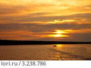 Купить «Восход над Белым морем», фото № 3238786, снято 5 августа 2010 г. (c) Олег Голиков / Фотобанк Лори