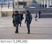 Полицейский патруль. Манежная площадь. Москва (2012 год). Редакционное фото, фотограф lana1501 / Фотобанк Лори