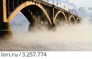 Купить «Мосты Красноярска», видеоролик № 3257774, снято 13 февраля 2012 г. (c) Юрий Пономарёв / Фотобанк Лори