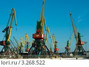 Подъёмный кран порта (2012 год). Редакционное фото, фотограф Топонарь  Иван / Фотобанк Лори