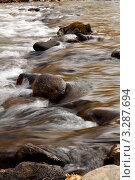 Горная река. Течение воды. Стоковое фото, фотограф Александр Мартынец / Фотобанк Лори