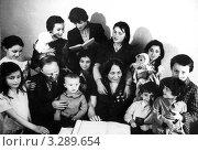 Чечня до войны. Семья Исмаиловых (17 детей) Редакционное фото, фотограф Артур Батчаев / Фотобанк Лори