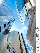 Купить «Небоскребы на фоне синего неба. Сингапур», фото № 3301634, снято 4 апреля 2020 г. (c) Руслан Керимов / Фотобанк Лори