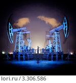 Купить «Работа нефтяных качалок ночью», фото № 3306586, снято 7 августа 2011 г. (c) bashta / Фотобанк Лори