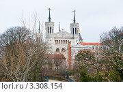 Купить «Базилика Нотр-дам де Фурвьер (Notre-Dame de Fourviere). Лион. Франция», фото № 3308154, снято 25 февраля 2012 г. (c) E. O. / Фотобанк Лори