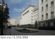 Купить «Здание администрации президента Украины», фото № 3316994, снято 14 августа 2011 г. (c) Андрей Ерофеев / Фотобанк Лори