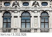 Купить «Венеция. Окна палаццо», эксклюзивное фото № 3332926, снято 14 февраля 2012 г. (c) Татьяна Лата / Фотобанк Лори