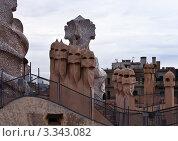 Купить «Фрагмент декорированных труб дома Casa Mila La Pedrera в Барселоне. Архитектор Антонио Гауди», фото № 3343082, снято 21 ноября 2011 г. (c) Victoria Demidova / Фотобанк Лори