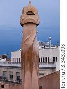 Купить «Фрагмент декорированных труб дома Casa Mila La Pedrera в Барселоне. Архитектор Антонио Гауди», фото № 3343098, снято 21 ноября 2011 г. (c) Victoria Demidova / Фотобанк Лори