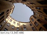 Питерский двор-колодец (2009 год). Стоковое фото, фотограф Андрей Ерофеев / Фотобанк Лори