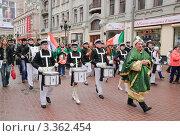 Купить «Парад в День святого Патрика на Арбате. 2012 год», фото № 3362454, снято 17 марта 2012 г. (c) Алёшина Оксана / Фотобанк Лори