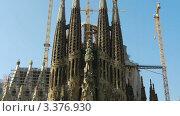 Купить «Искупительный храм Святого Семейства в Барселоне», видеоролик № 3376930, снято 19 октября 2011 г. (c) Перов Евгений / Фотобанк Лори