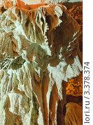 Купить «Причудливые кальциевые натеки и цветы в пещере Сюрприз ( Sung Sot ), залив Халонг, Вьетнам», фото № 3378374, снято 2 февраля 2011 г. (c) Ольга Липунова / Фотобанк Лори