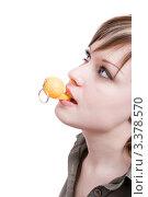 Девушка со свистком. Стоковое фото, фотограф Станислав Мамонов / Фотобанк Лори