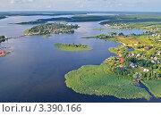 Купить «Вид с высоты на озеро Селигер», эксклюзивное фото № 3390166, снято 29 июля 2011 г. (c) Елена Коромыслова / Фотобанк Лори